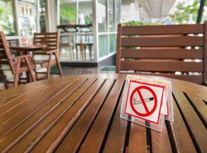 Palenie tytoniu – gdzie obowiązuje zakaz, a gdzie wolno palić?