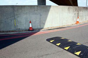 Zastosowanie urządzeń bezpieczeństwa ruchu drogowego
