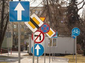 Wielkości znaków drogowych pionowych