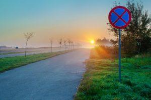 Widoczność znaków drogowych pionowych
