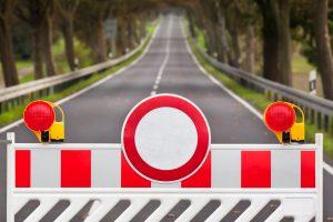 Urządzenia do zamykania drogi dla ruchu