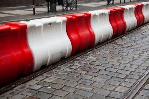 Drogowe bariery ochronne – przepisy i wymagania
