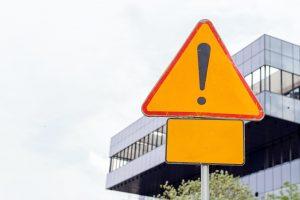 Znaki drogowe – podstawowe określenia