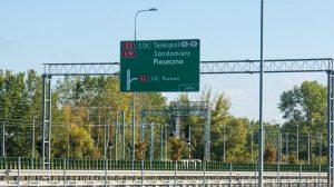 Liternictwo znaków drogowych pionowych