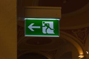Zasady rozmieszczenia znaków ewakuacyjnych