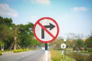 Zakaz skręcania w lewo i w prawo