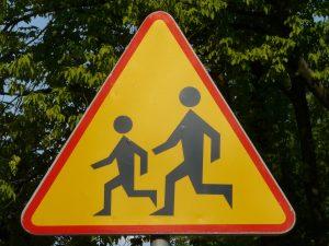 Odległość znaków ostrzegawczych od miejsc niebezpiecznych