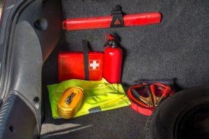 Wyposażenie apteczki samochodowej