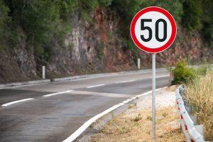 Ograniczenie prędkości – znaki B-33 i B-34