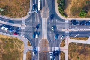 Skrzyżowanie dróg – znak ostrzegawczy A-5