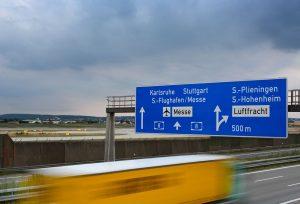 Znaki drogowe kategorii E – ogólne zasady stosowania znaków kierunku i miejscowości