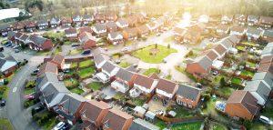 Droga osiedlowa: znaki i przepisy w strefie zamieszkania i na drogach wewnętrznych