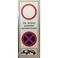 Przykładowa tablica łącząca kilka znaków drogowych...