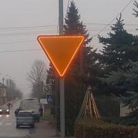 Znak aktywny podświetlony A-7 przejście dla pieszych