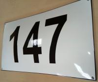 Tabliczka adresowa, emaliowana z adresem, nazwą ulicy oraz numerem, na zamówienie