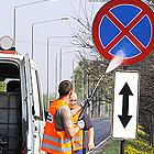 Mycie znaków i słupków drogowych, barier ochronnych, ekranów akustycznych